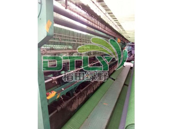 三针绿色遮阳网生产车间